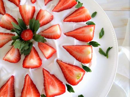 Gluteeniton ja maidoton mansikkakakku