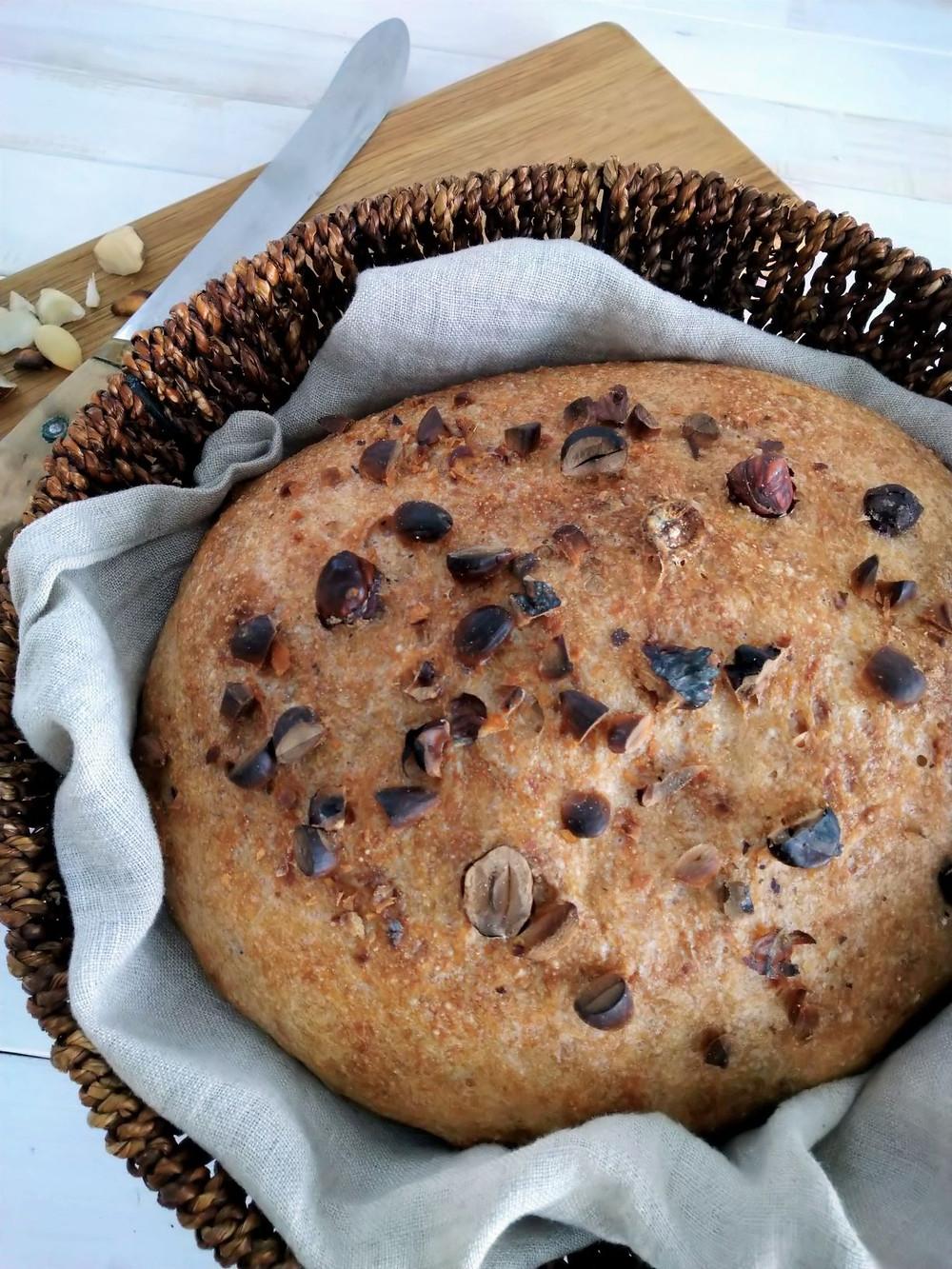 gluteeniton pataleipä, resepti, leipäresepti, leivän, kaura, leivonta, kaurapataleipä, kauraleipä, taikina, pata, leipä, pähkinä