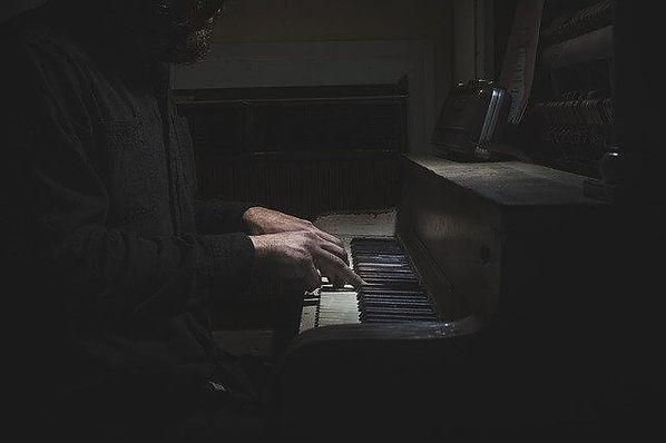 piano-690381_640 (1).jpg