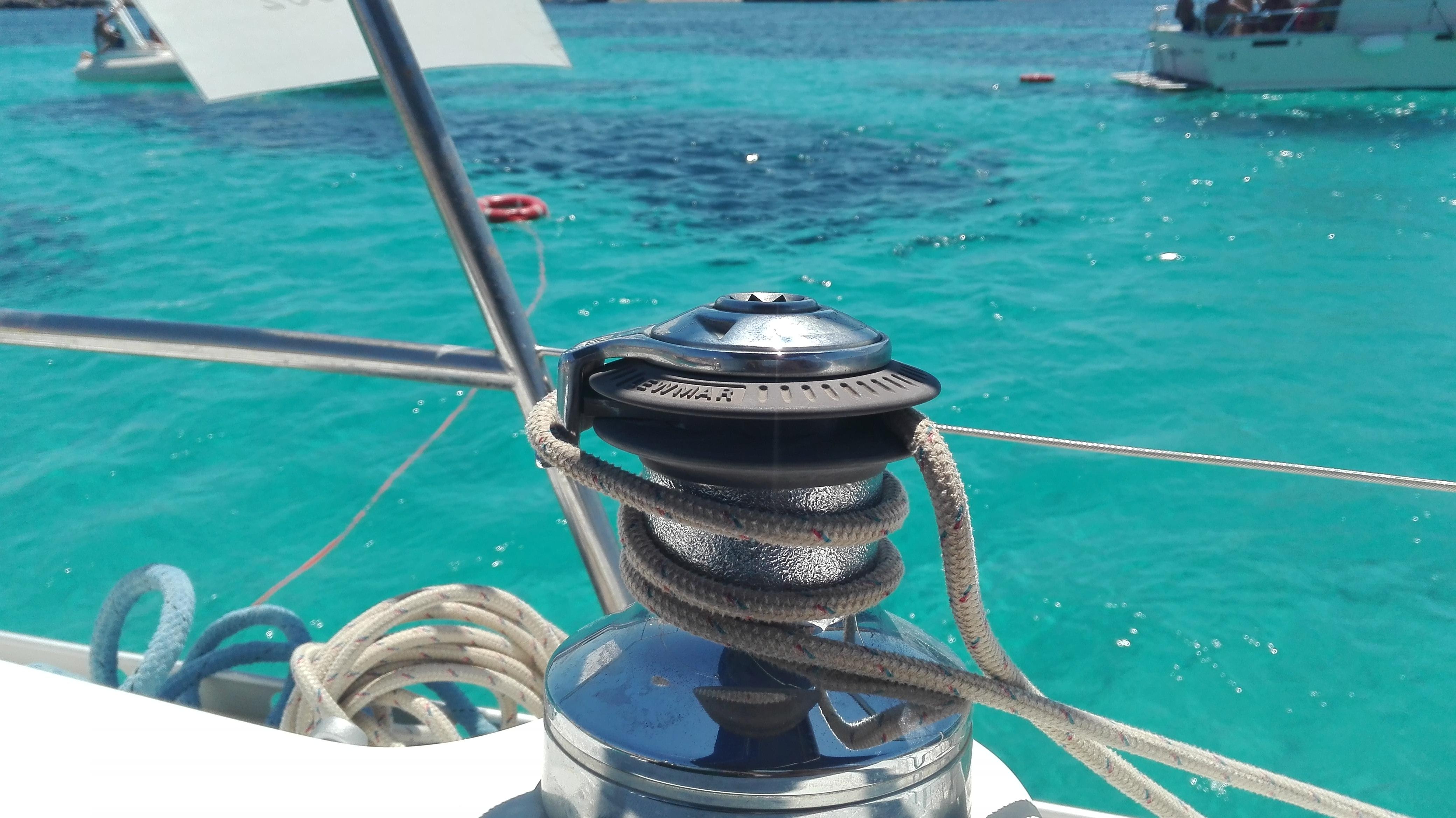Favignana in barca a vela
