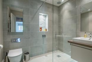 Walk-in shower, Twickenham
