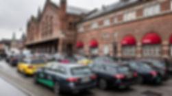 Taxier fora Hovedbanen.1200.jpg