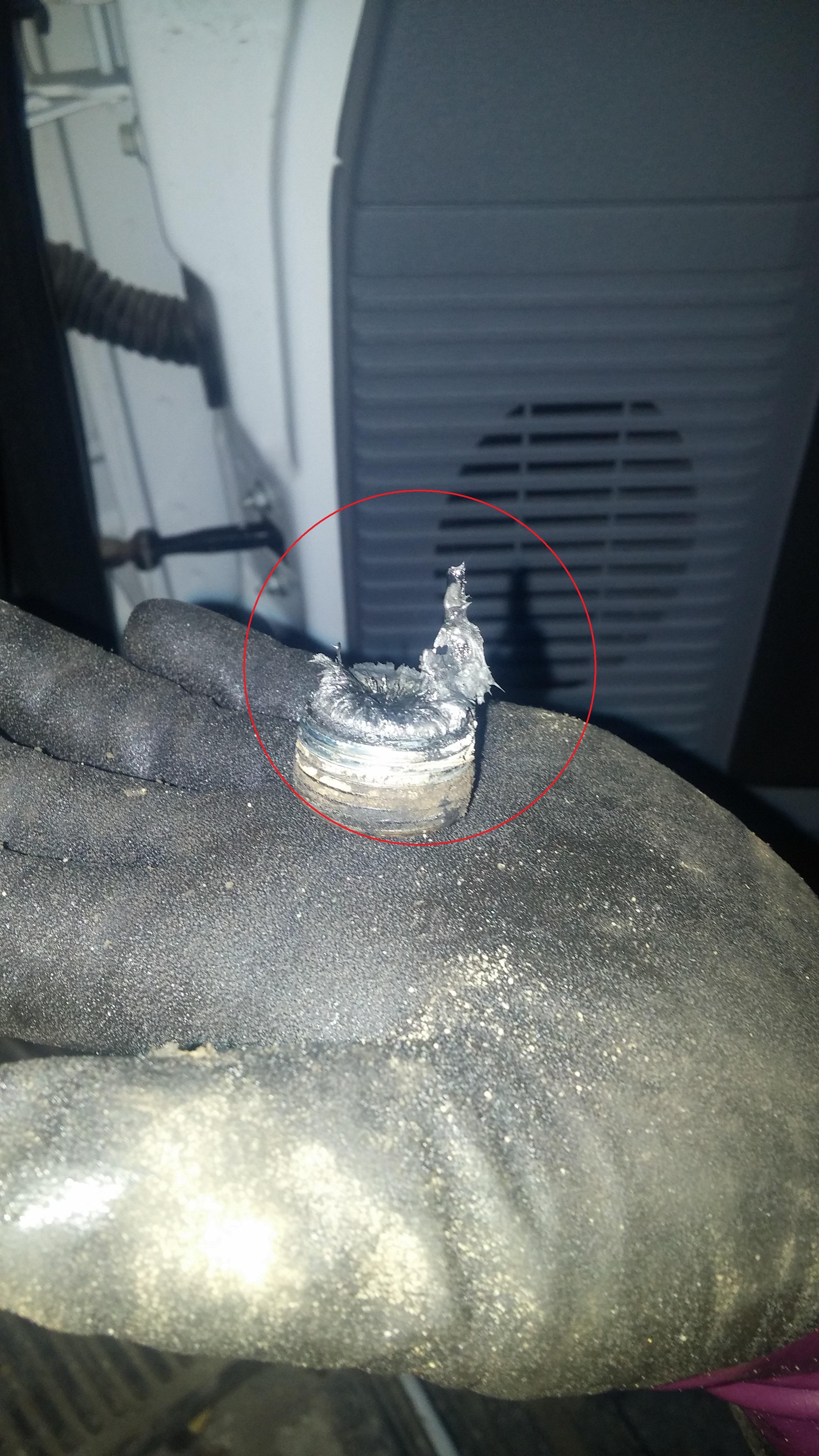 E450 Diff Fill Plug