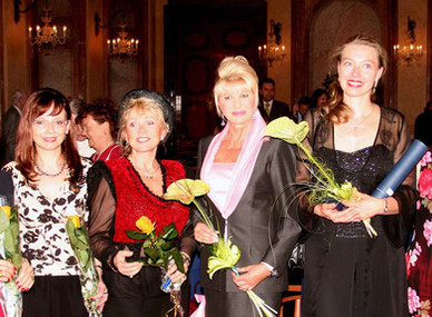 Czech most distinguished woman of the world 2003
