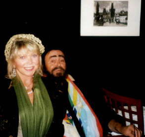 Lea with Luciano Pavarotti in Prague (2005)
