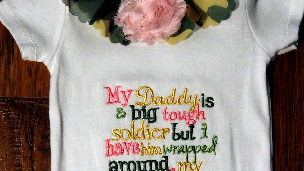 Baby camo bodysuit Daddy is a soldier Army