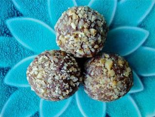Nourishing Choc-Almond Bliss Ball Recipe
