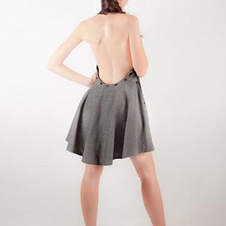 Vestido gris espalda.jpg