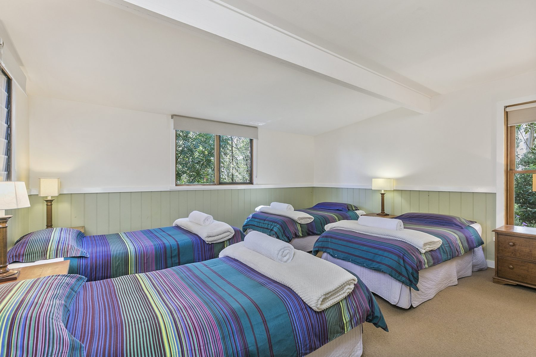 Bedroom @ King Parrot Cottages