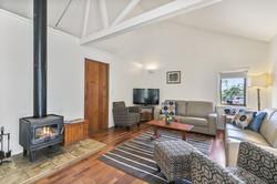 Lounge @ King Parrot Cottages