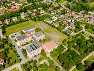 Szkoła w Czechowicach dziedzicach - widok z lotu ptaka