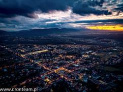 Nocne zdjęcia z drona - Kęty rynek