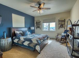 L B blue bed room.jpg