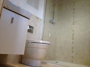 En-suite bathroom/shower room