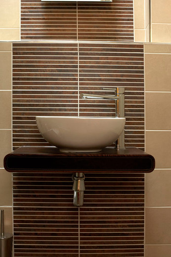 Bathroom+-+Alwalton+Hall+%284%29.jpg