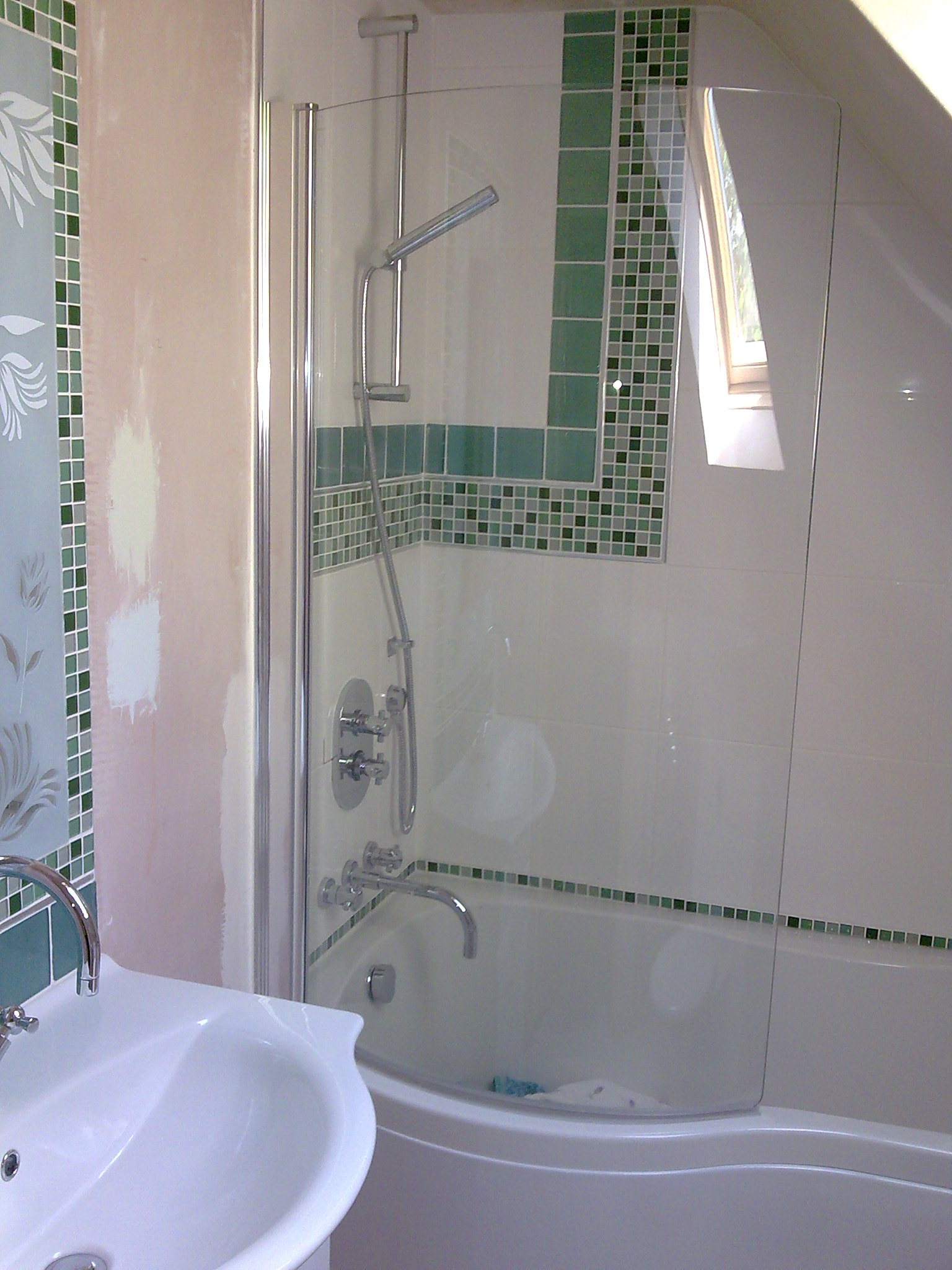 Colsterworth,  bathroom 1 (2).jpg