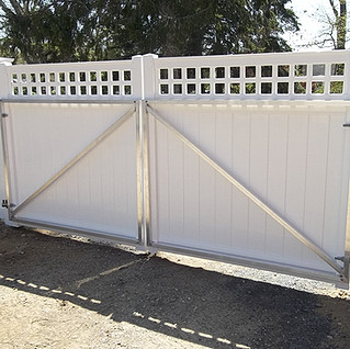 Heavy English Accent Top Aluminum Frame Gate
