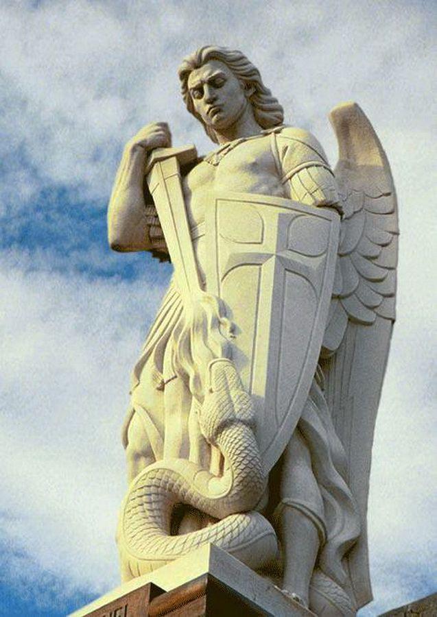 Reze conosco o poderosíssimo terço de São Miguel Arcanjo contra satanás