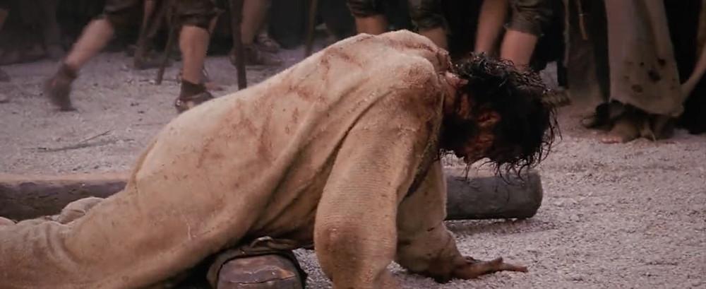 3ª estação: Jesus cai pela primeira vez
