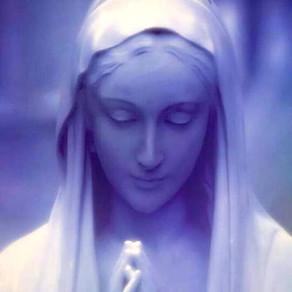 Fórmula de consagração a Nossa Senhora conforme o método de Montfort