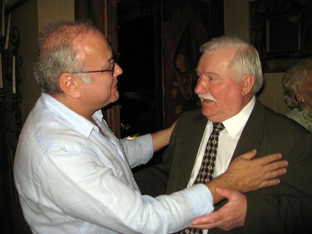 Tomasz Rut greeting President Lech Walesa at his house