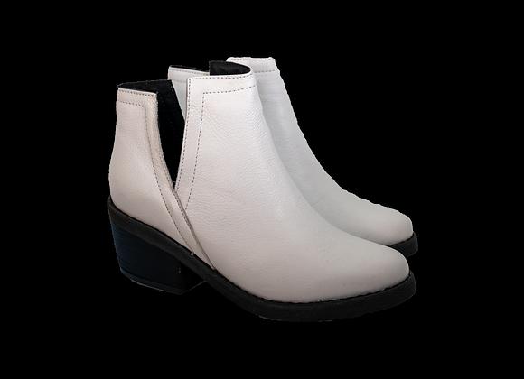 White V-Boot