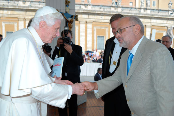 Tomasz Rut's audience with Pope Benedict XVI at the Vatican.