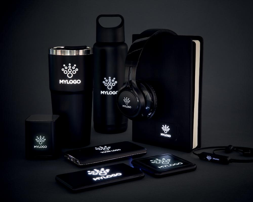 logo lumineux, sur-mesure, co-made, de l'idée à l'objet, produits lumineux, technologie, led, objet promotionnel