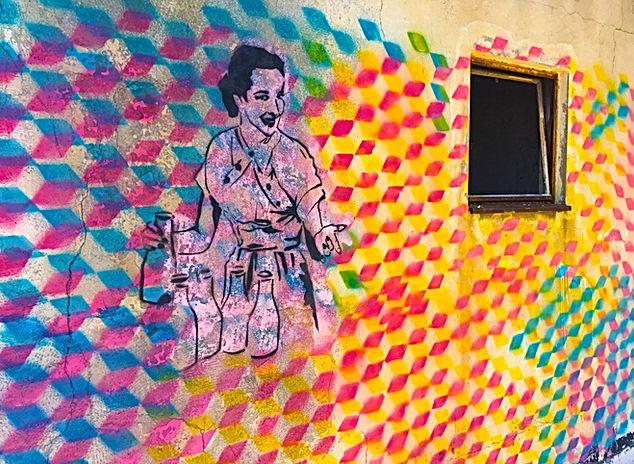 graffitti tel aviv, color theory graffiti, stencil graffiti, tel aviv street art, img, lemonade art, spill the t