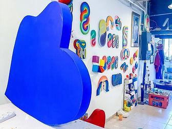 סטודיו לעיצוב, השראת פנים, השראה לאמנות 2021, צבעים 2021, פיסול ישראלי, אמנות לקנות, בקר בסטודיו לאמנות תל אביב