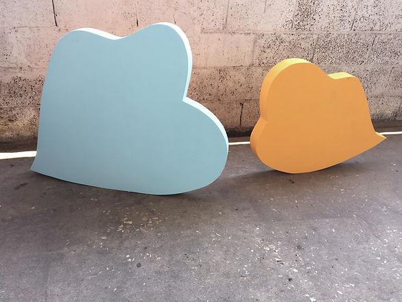 art installation israel, social distancing installation, icon art, concrete art, the kiss, tel aviv design