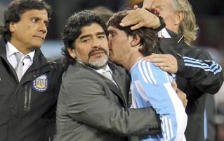 Maradona Apoya a Lionel Messi.