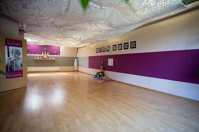 Savita-Happinez-Yoga (226 of 295).jpg