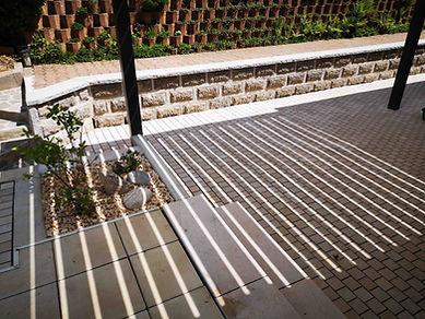 Terrasse en pavé créé par Bellevue Paysages Riom es Montagnes