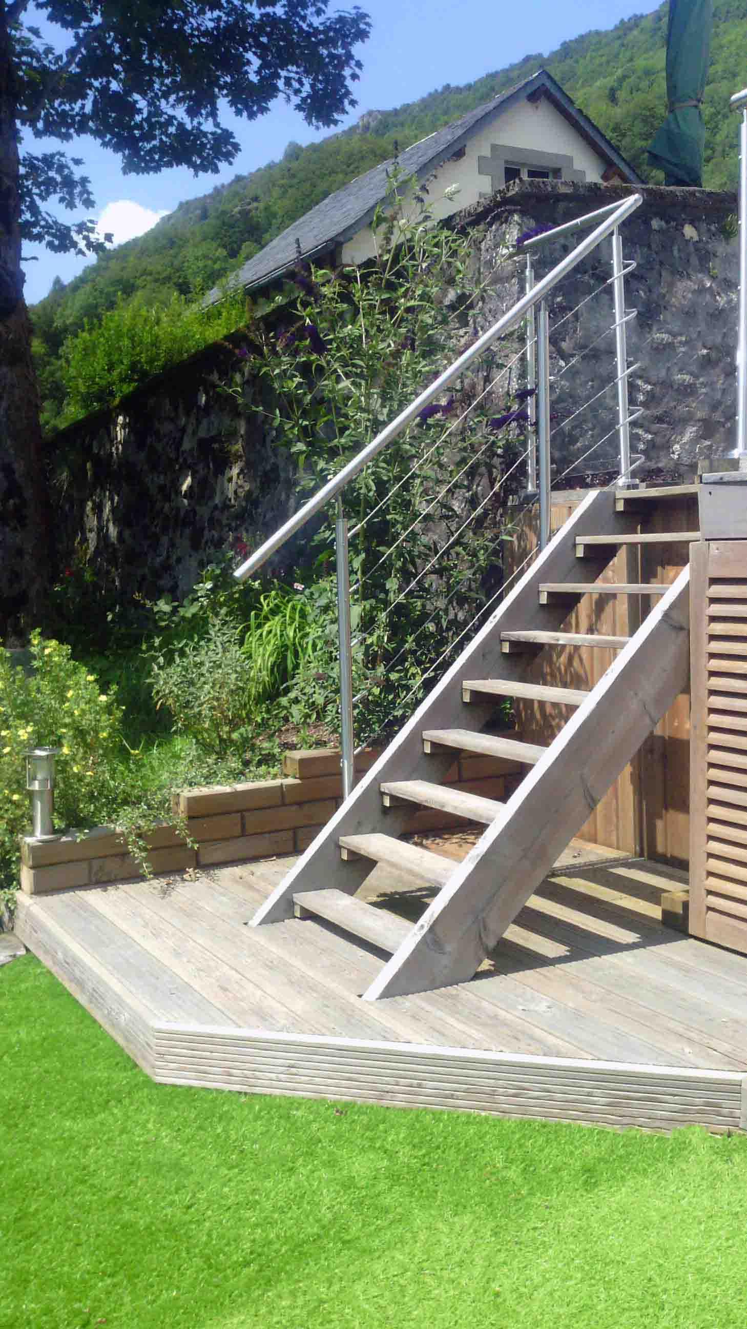 Escalier, échelle en bois