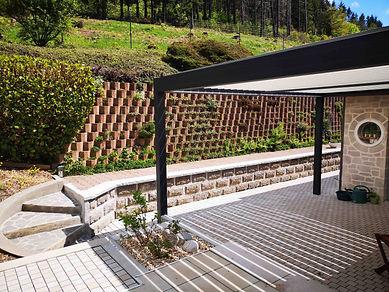 Cours en pavés créée par Bellevue Paysages Riom es Montagnes