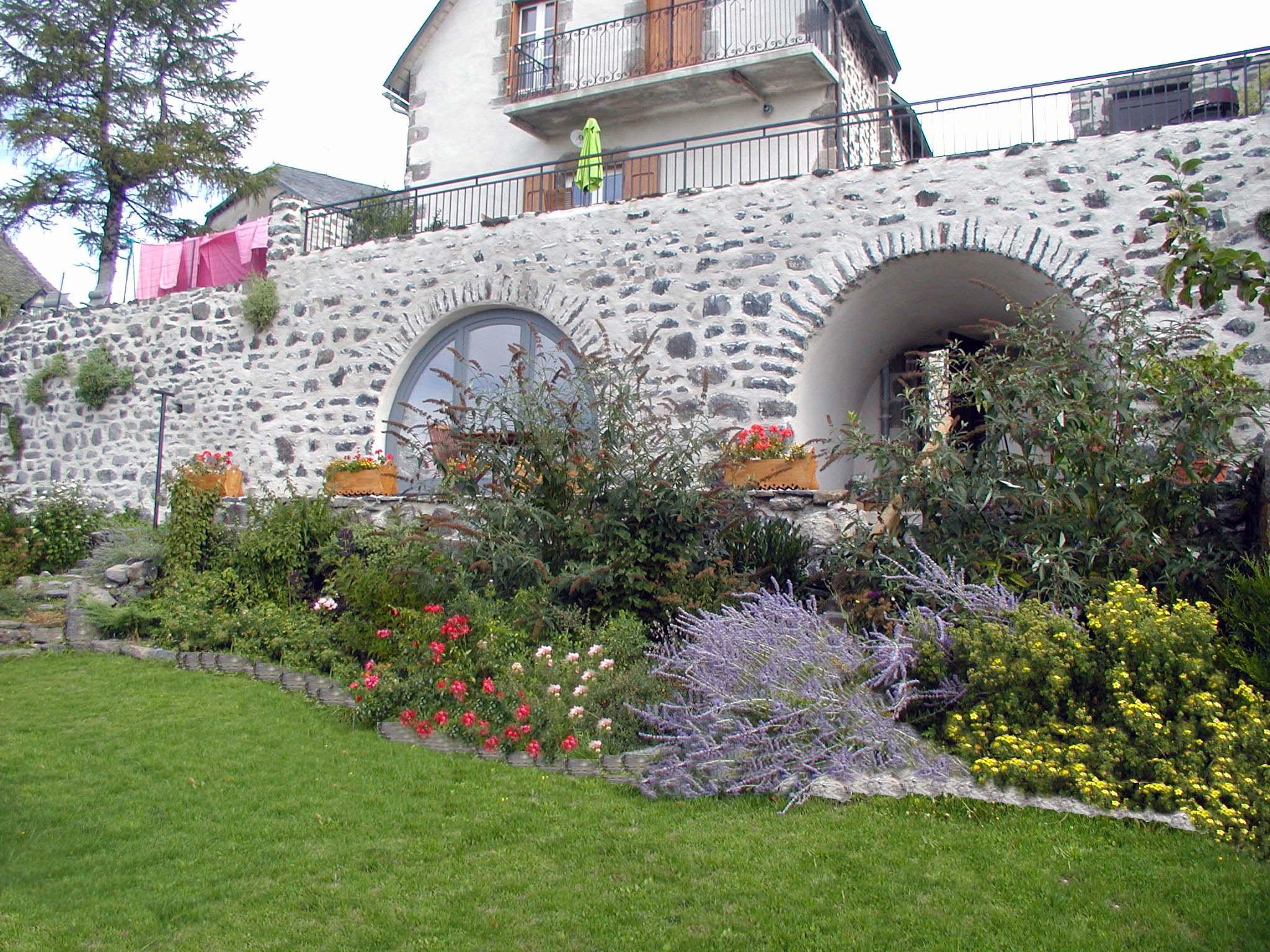 Aménagement paysager à Salers (15)