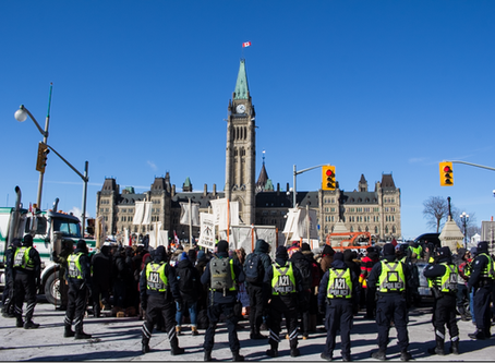 United We Roll convoy rolls onto Parliament Hill [videos/images]
