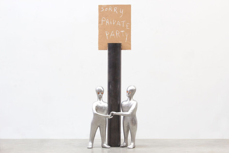 HENK VISCH Sorry, Private Party, 2016 aluminium, cardboard, metal, paint, 138 x 50 x 30 cm