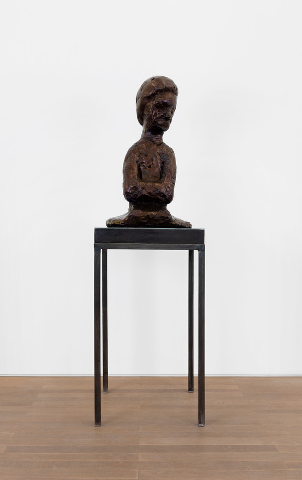 EDWARD LIPSKI Servant, 2020 urethane, pigment plinth: steel, wood 86 x 45 x 29 cm (sculpture) 97 x 54 x 54 cm (plinth: steel, wood) unique