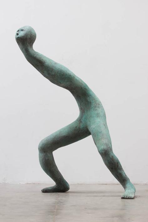 HENK VISCH Du livre du matin, 2018 bronze 220 x 120 x 140 cm