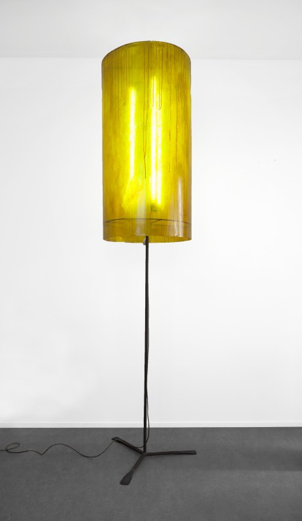 FRANZ WEST Große Lampe, 2010 steel, acrylic glass, electronical device, neon tubes, paint 285 x 80 x 80 cm