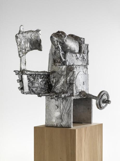 "JONATHAN MEESE HANTEL- UND FAHNENTRÄGER (COLONEL ""DEHE"" IM ANMARSCHI), 2015 aluminium 82,5 x 59 x 78 cm edition of 3 and 1 A.P."