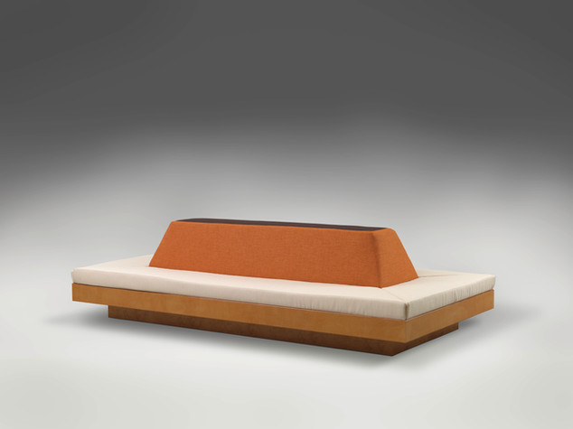ANTON HENNING, Möbelstück für Ausstellungsraum mit Oberlicht, 2009