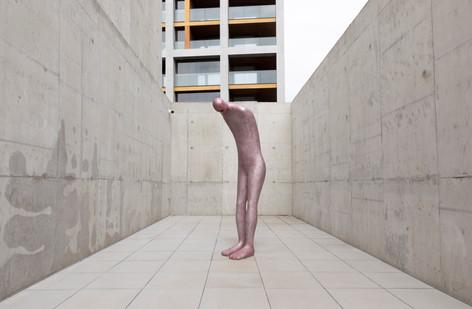 HENK VISCH The wounded artist, 2011 aluminium h x 235 cm