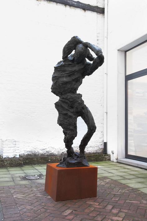 PETER ROGIERS Ringmaster, 2015 black patinated bronze, corten steel 233 x 60 x 89 cm
