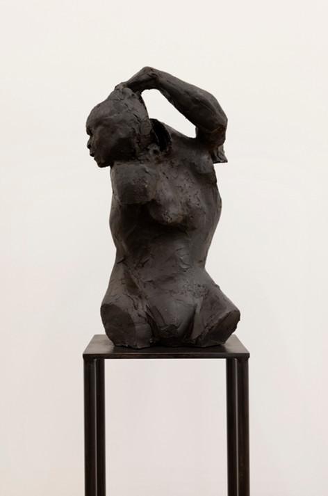 PETER ROGIERS The Corrector, 2020 bronze 43 x 23 x 23 cm (sculpture) 110 x 24 x 15 cm (plinth) unique