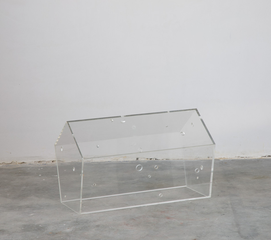 HENK VISCH The young get younger and the old get older, 1988 acrylic glass h. 33 cm