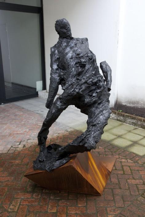 PETER ROGIERS Sinister Sinatra, 2016 black patinated bronze, corten steel 182 x 85 x 65 cm