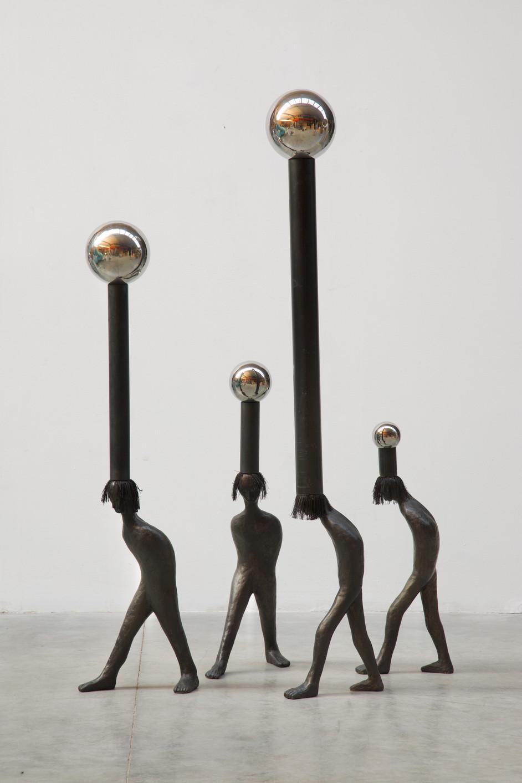 HENK VISCH Enigma of The Western World, 2021 bronze, stainless steel, polyester h: 168 cm